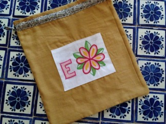Mum's linen laundry bag with embroidered motif